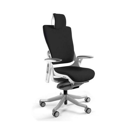 Ergonomiczny fotel biurowy Unique Wau 2 z białym stelażem i tapicerką w kolorze BL418-BLACK