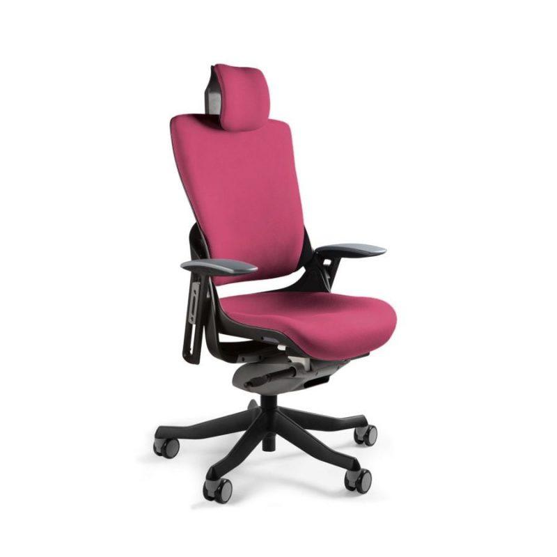 Ergonomiczny fotel biurowy Unique Wau 2 z czarnym stelażem i tapicerką w kolorze BL401-MAGENTA