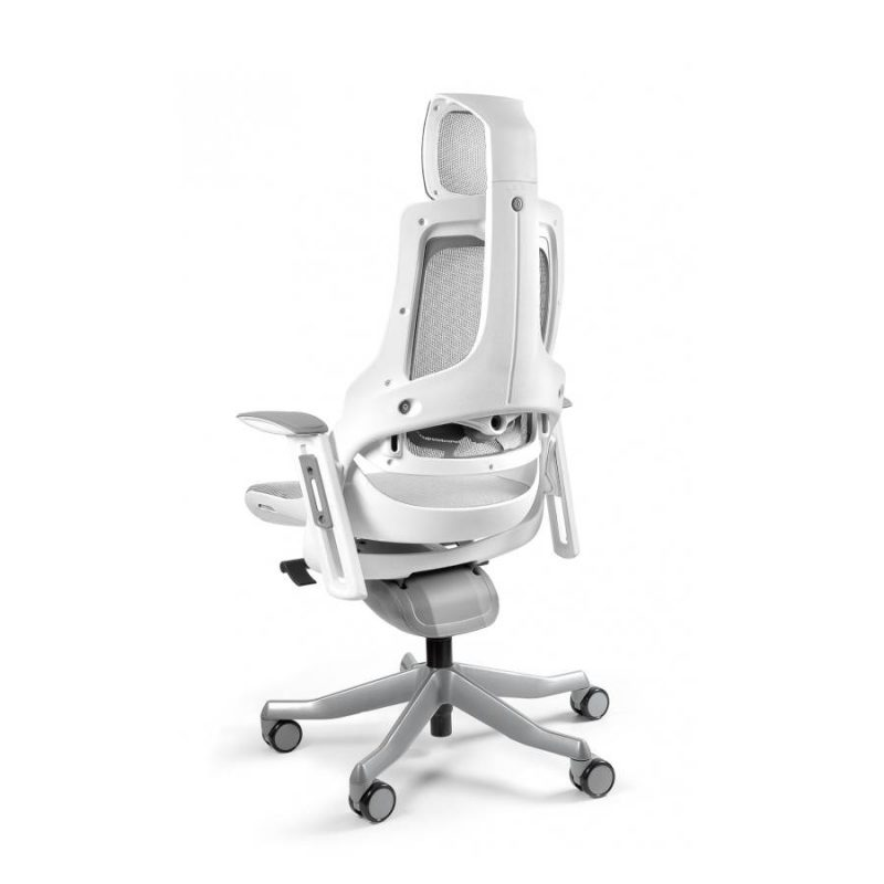 Ergonomiczny fotel biurowy Unique Wau z białym stelażem i siatką w kolorze NW42 Jasny Szary z tył