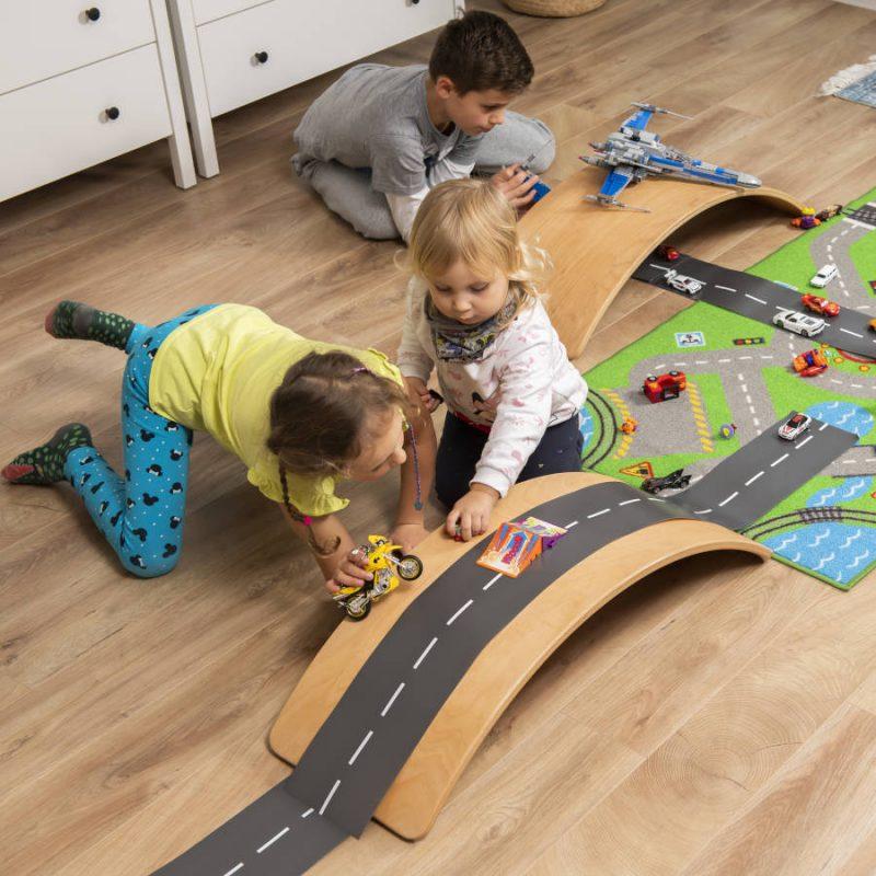 Deska sensoryczna dla dzieci KidiBoard pobudzająca kreatywność