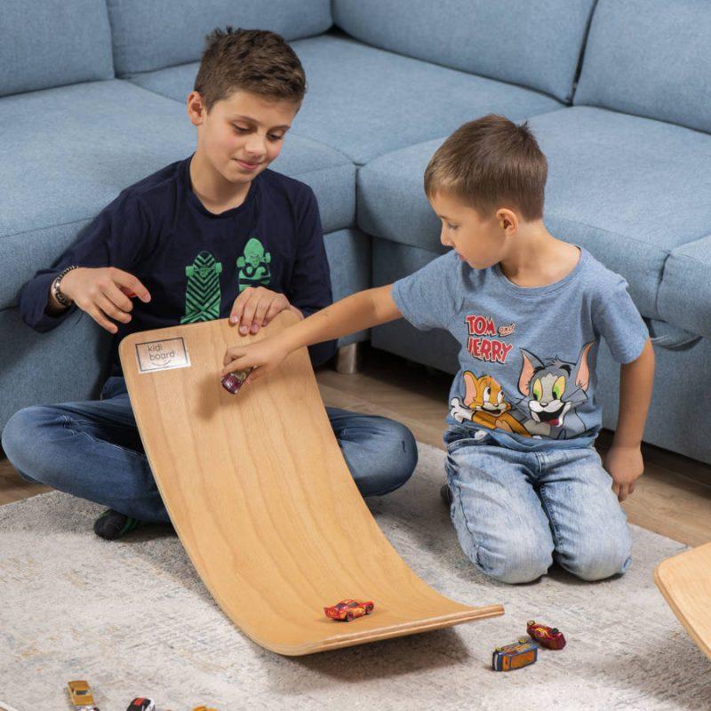 Deska sensoryczna dla dzieci KidiBoard do zabawy