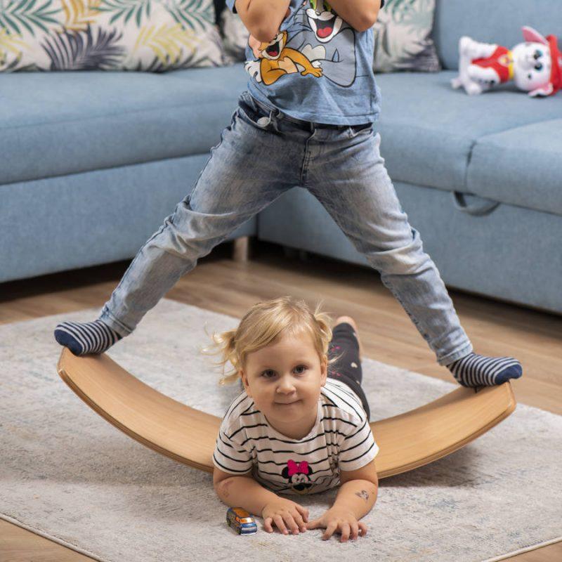 Deska sensoryczna dla dzieci KidiBoard ciekawa zabawa dla dzieci